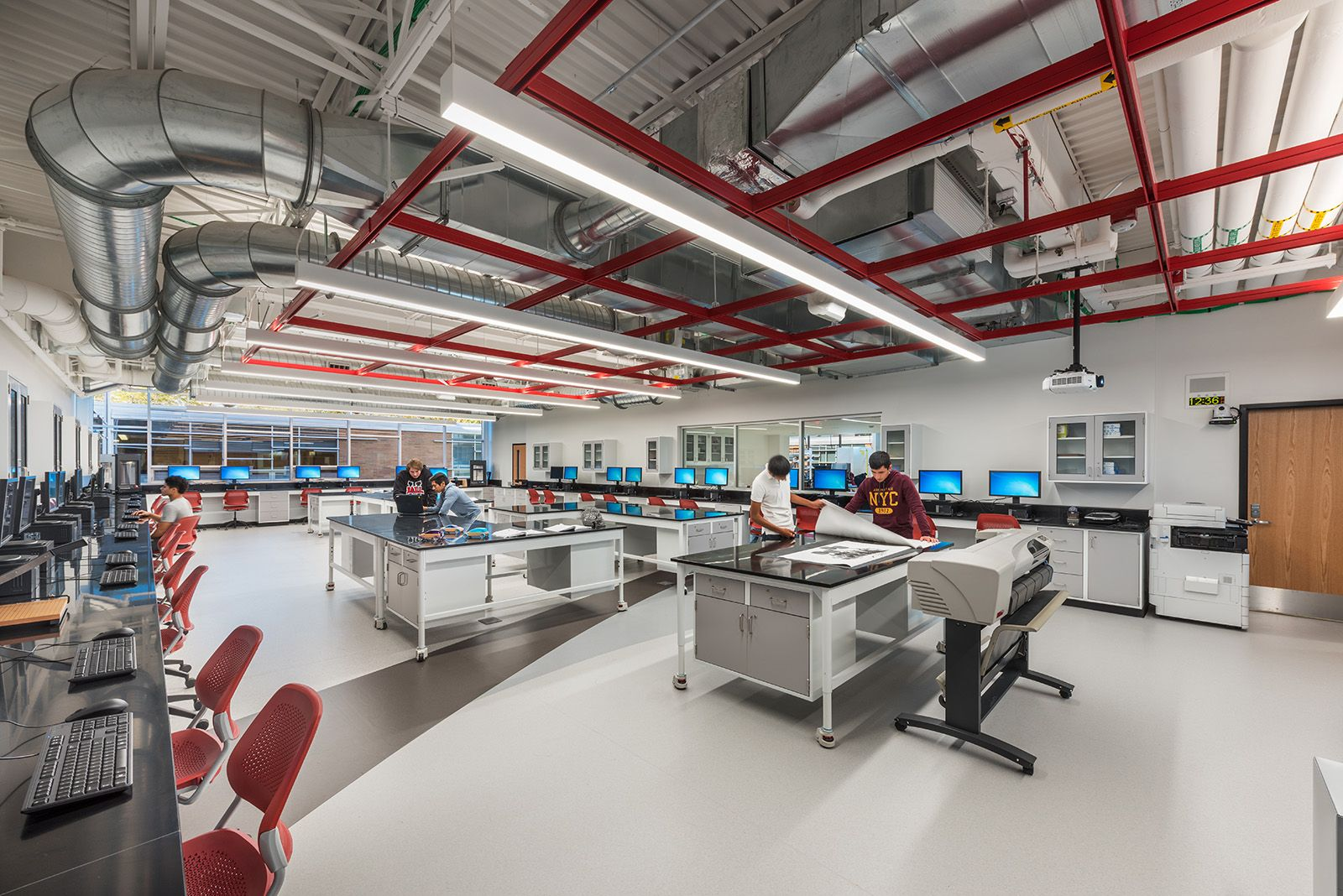 At Mundelein High School Students Use Technologies In The Project