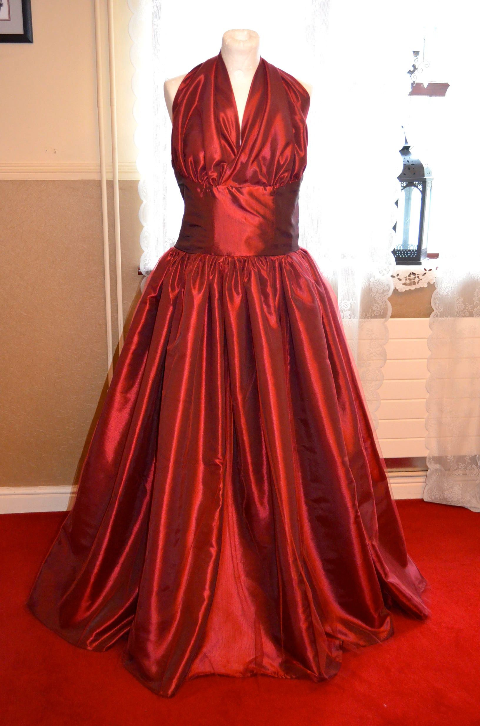 Us style ballgown by uninaswerkeu on etsy outfits i love