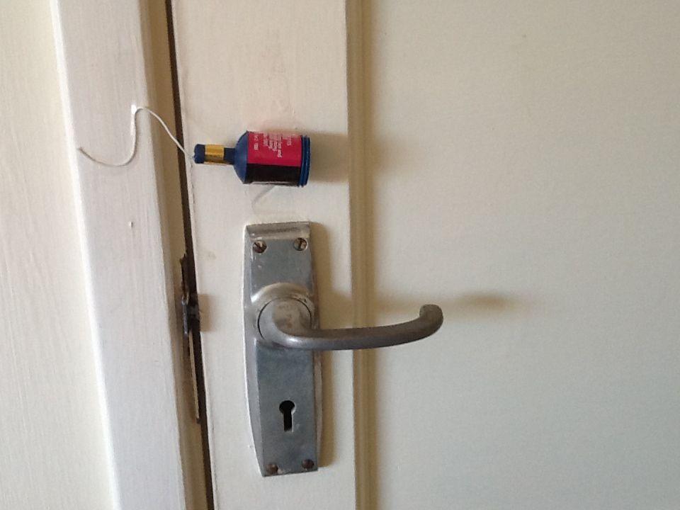 Fun Punk Prank Idea Tape Party Popper To Door Oh Come In Door Handles Bathroom Hooks Pranks