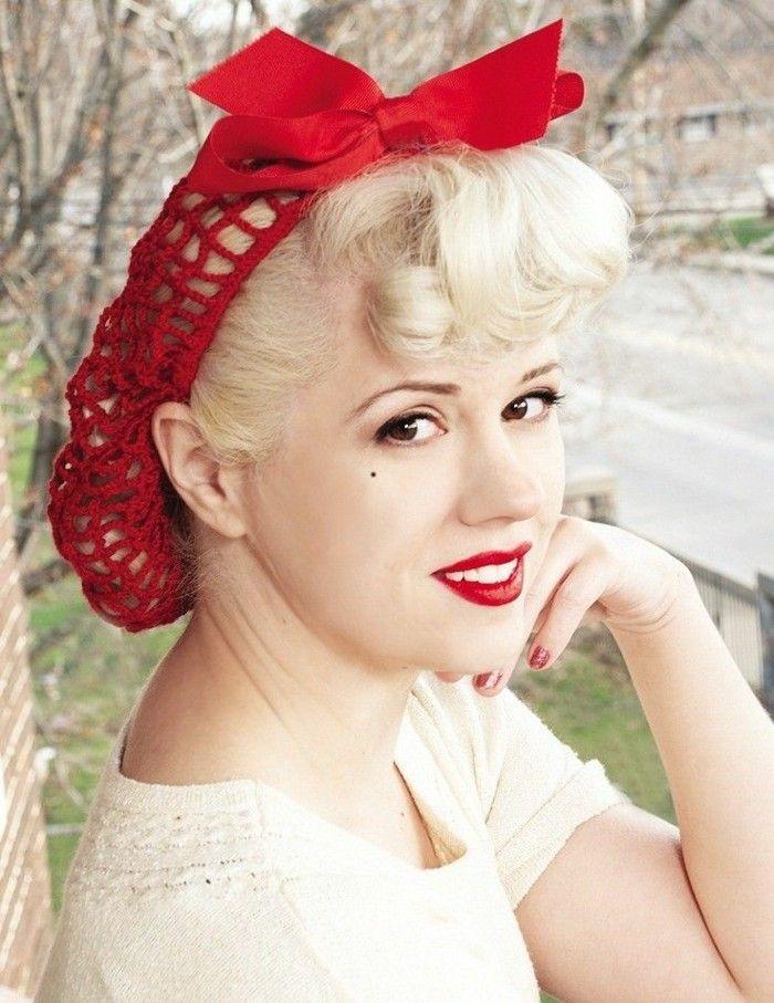 rockabilly-frisuren-haarband-in-rot-und-blonde-kurze-haare