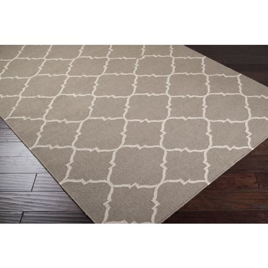 Geometric/trellis grey rug - bedroom?