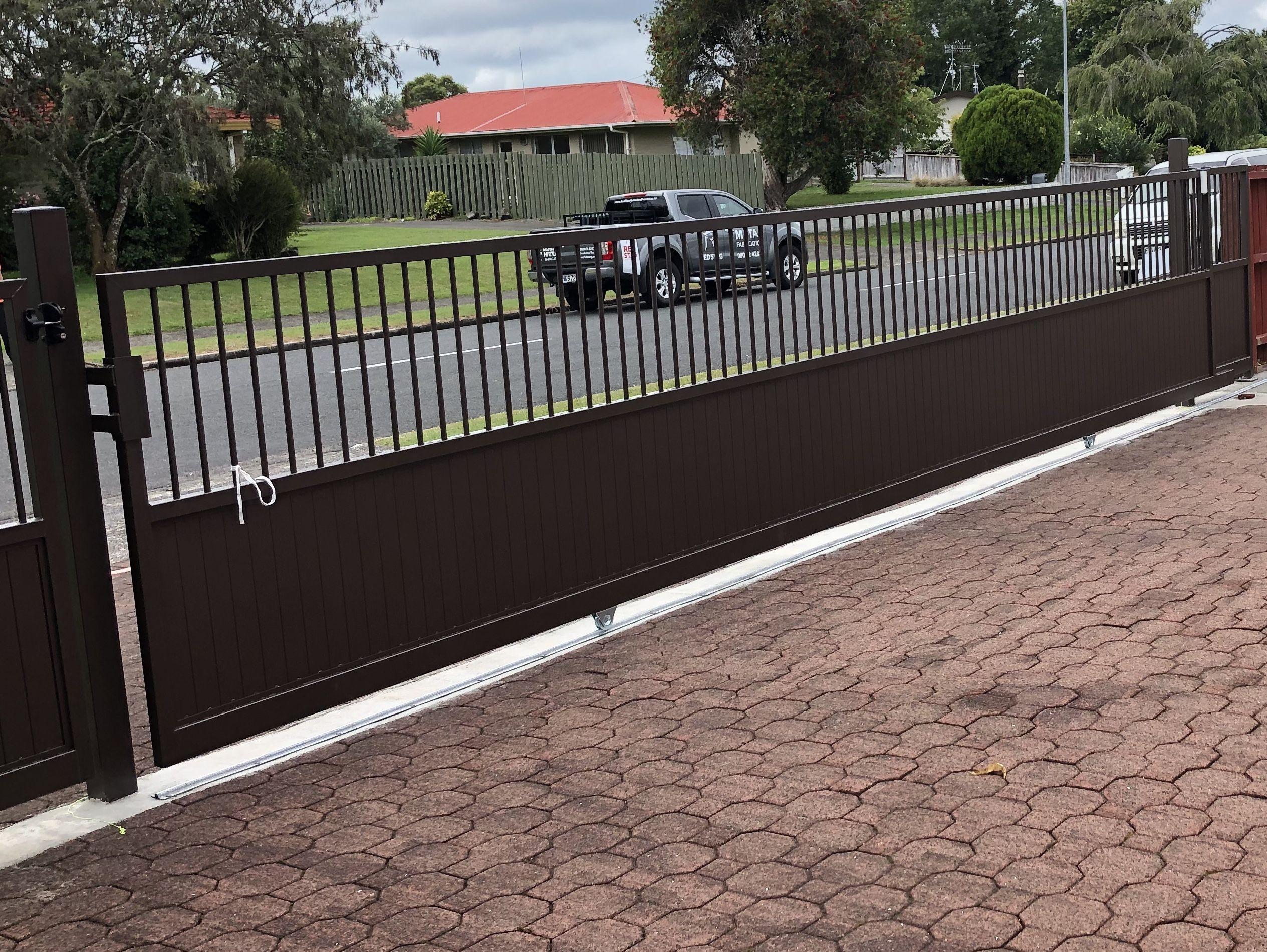 Tongue And Groove Sliding Gate 8m Long Wedge Design Sliding Gate Fence Design Aluminium Gates