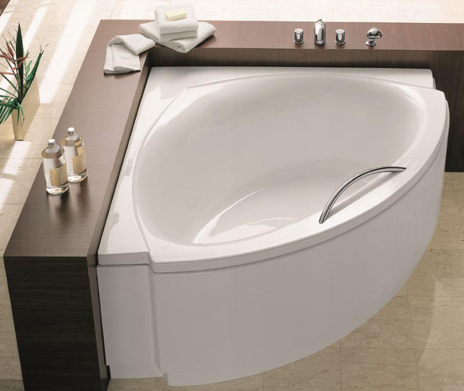 Een kleine badkamer inrichten kies voor een hoekbad badkamer idee n pinterest bathroom - Kleine betegelde badkamer ...