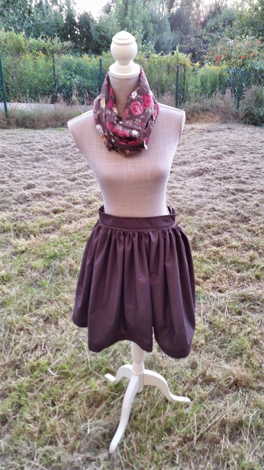 Miss Pixie's Blog: Tutorial: DIY highwaist zwierrokje