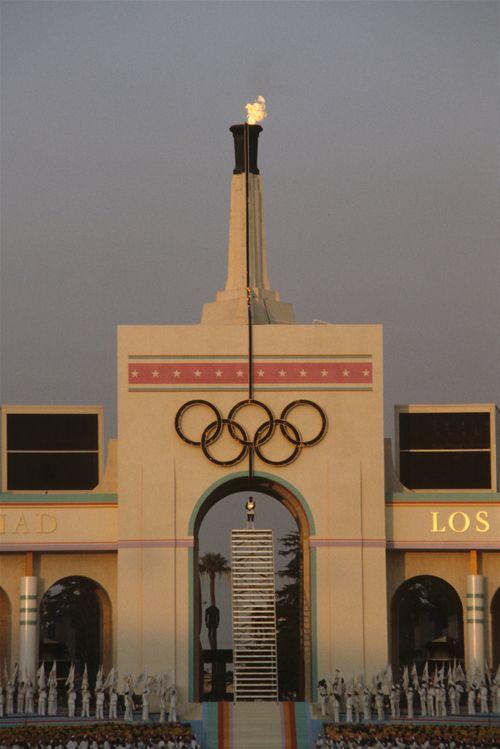Olympic Cauldron Los Angeles California Usa 1984 Summer Olympic Games 1984 Summer Olympics Summer Olympic Games Olympics Opening Ceremony