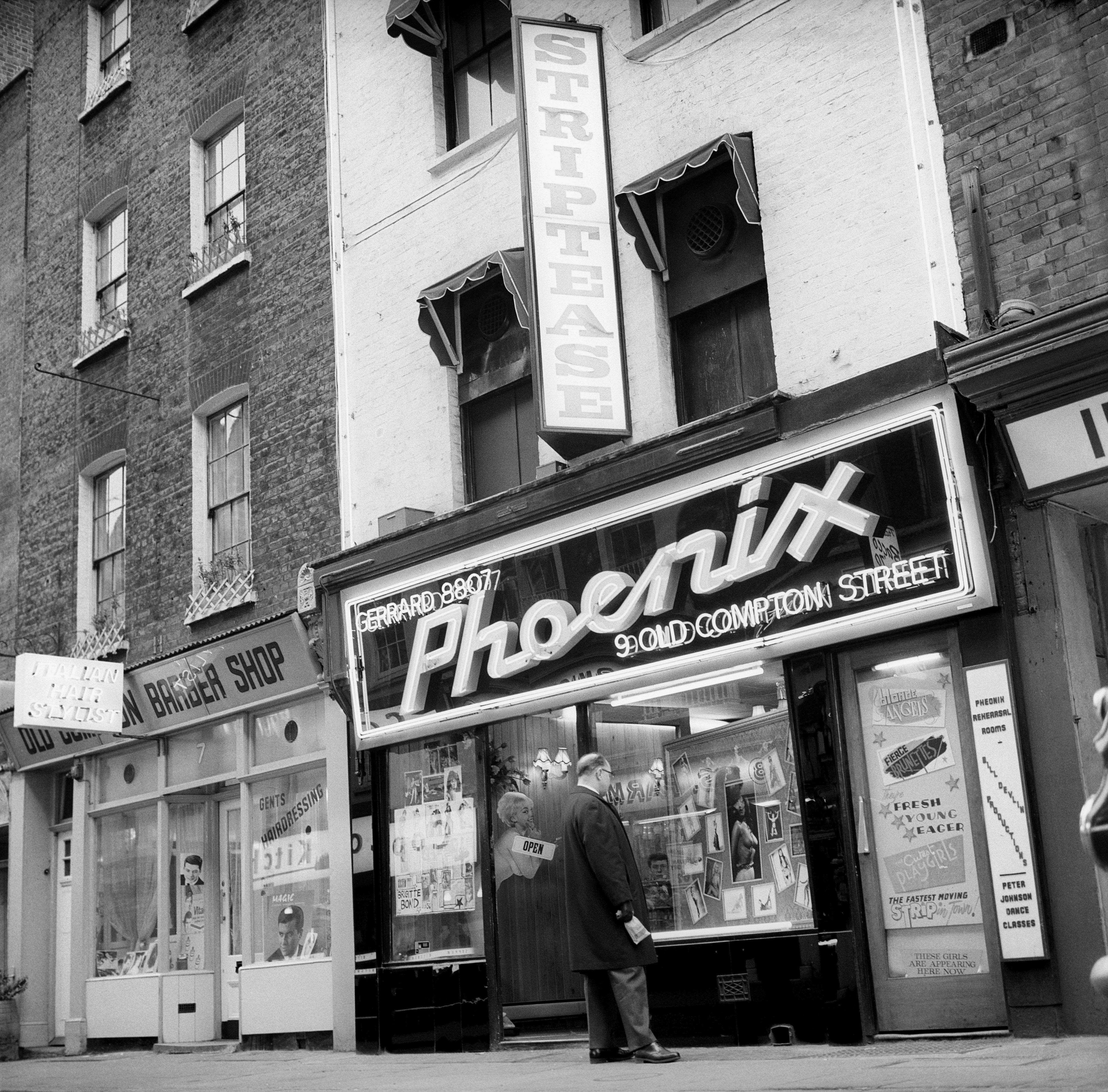 The Phoenix In Old Compton Street March 15 1966 Vintage London Soho London Now