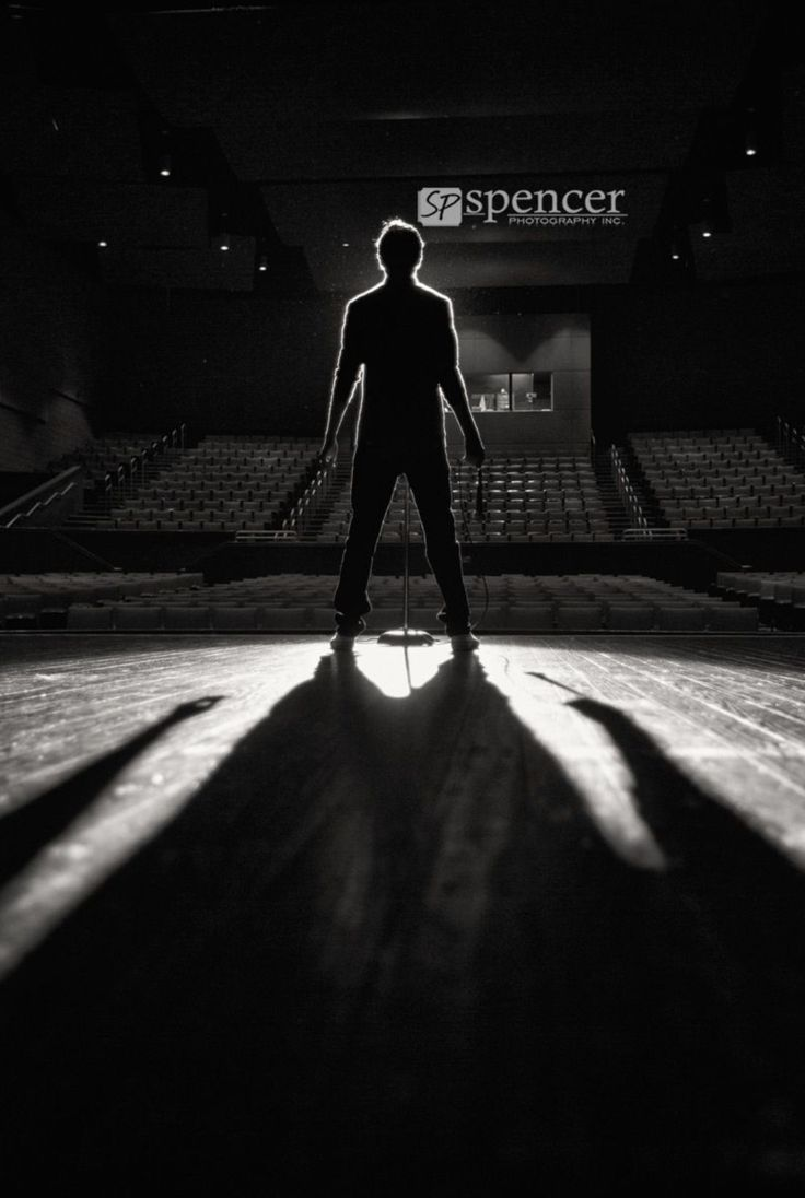 Senior Picture  Photo  Portrait Idea  Theater  Drama  Stage  Performer