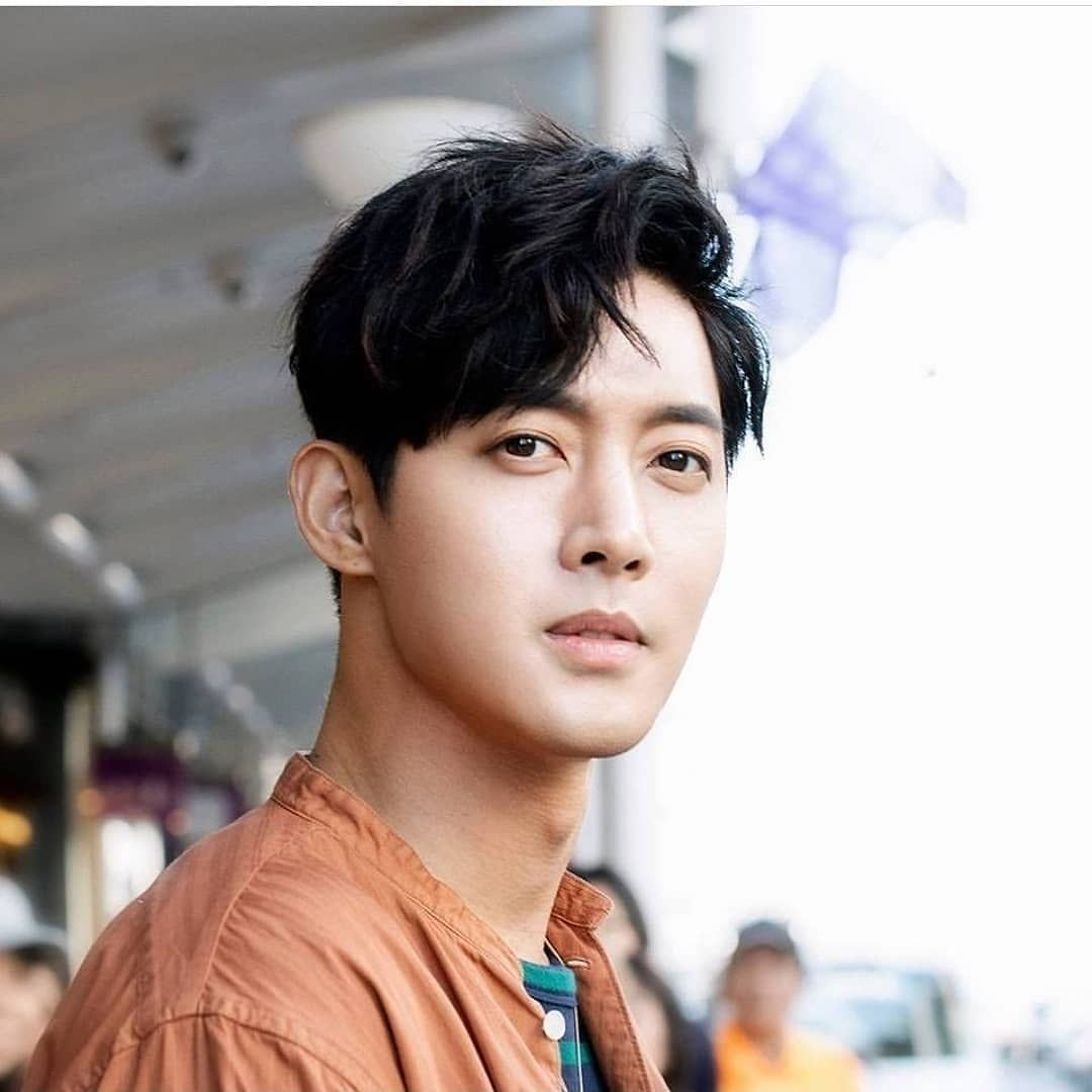 "KIM HYUN JOONG 김 현 중 on Instagram: ""Kim Hyun Joong profile update ❤❤❤ # KimHyunJoong #hyunjoong860606 #kimhyunjoong #kimhyun… | Kim joong hyun, Kim  joon, Kim min"