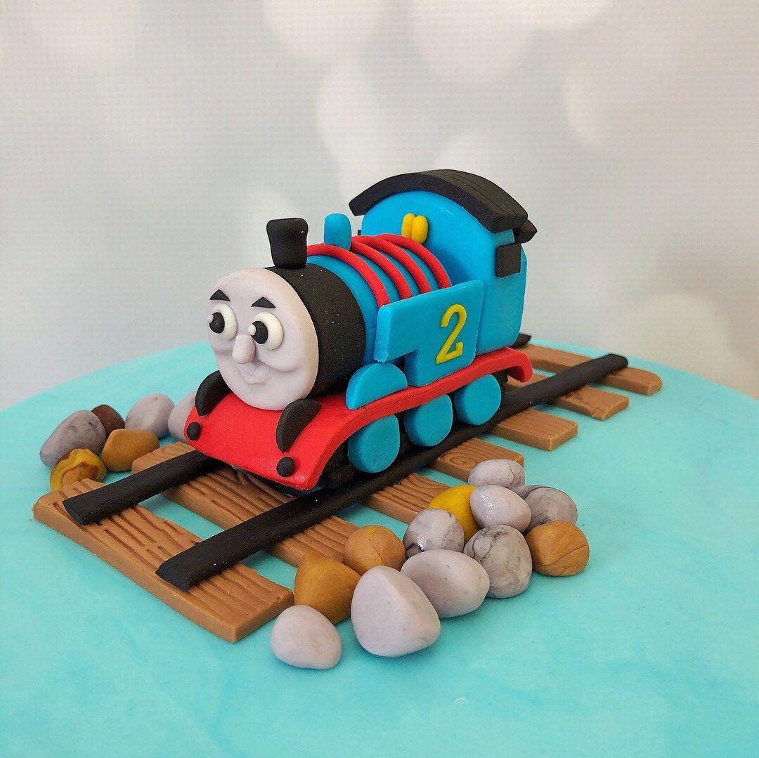 Edible thomas the train cake topper thomas train cake