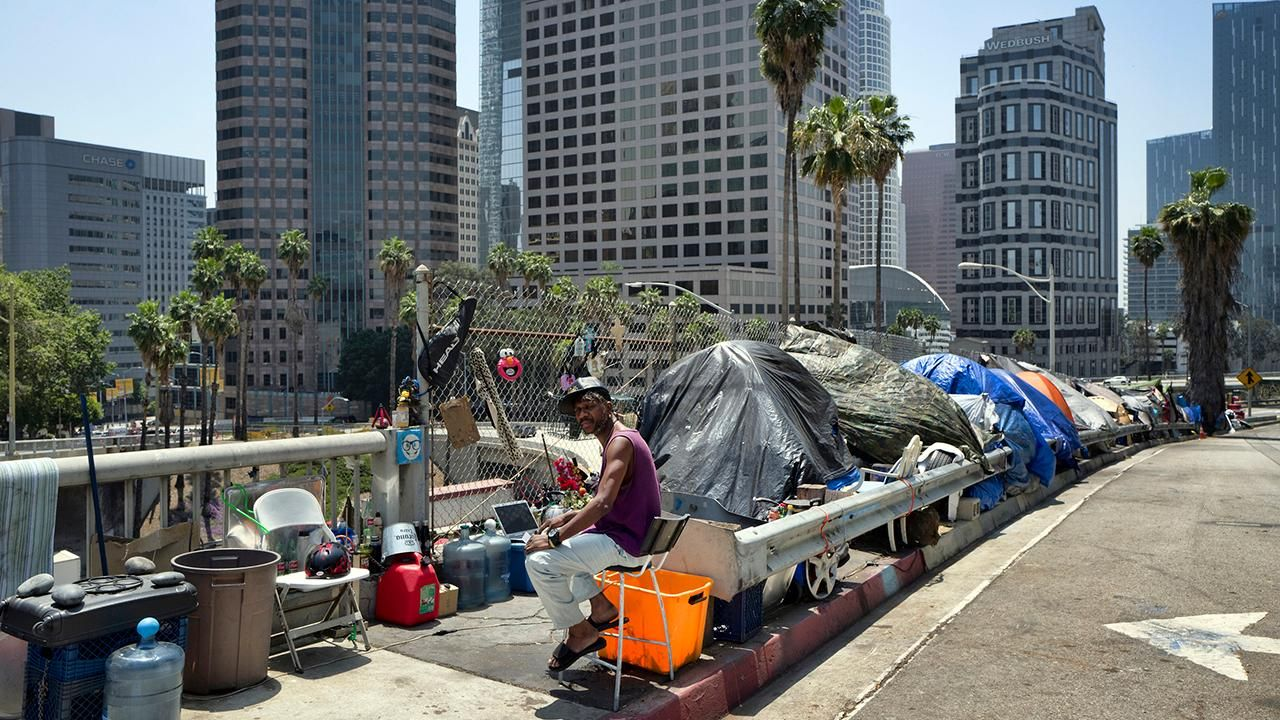 Los Angeles Residents Petition To Recall Mayor Over Homelessness Crisis Countries Of The World Third World Countries California