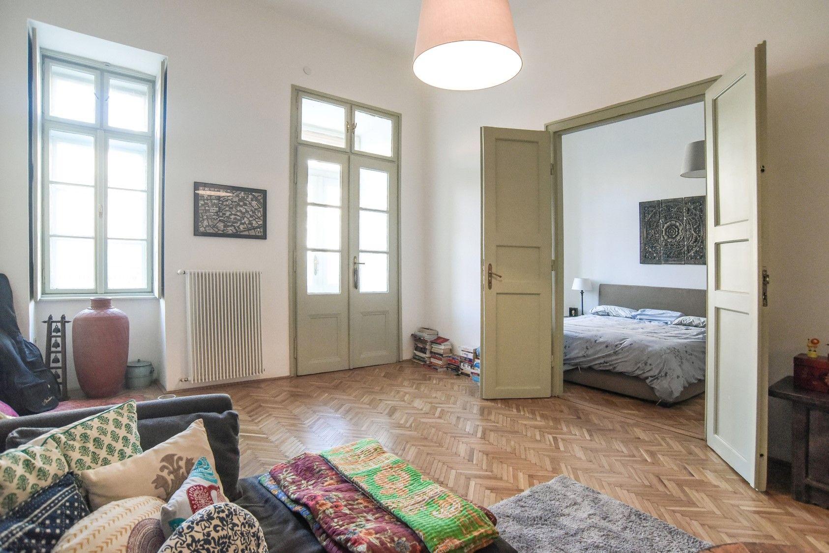 In dieser wunderschönen Altbauwohnung in Budapest werden