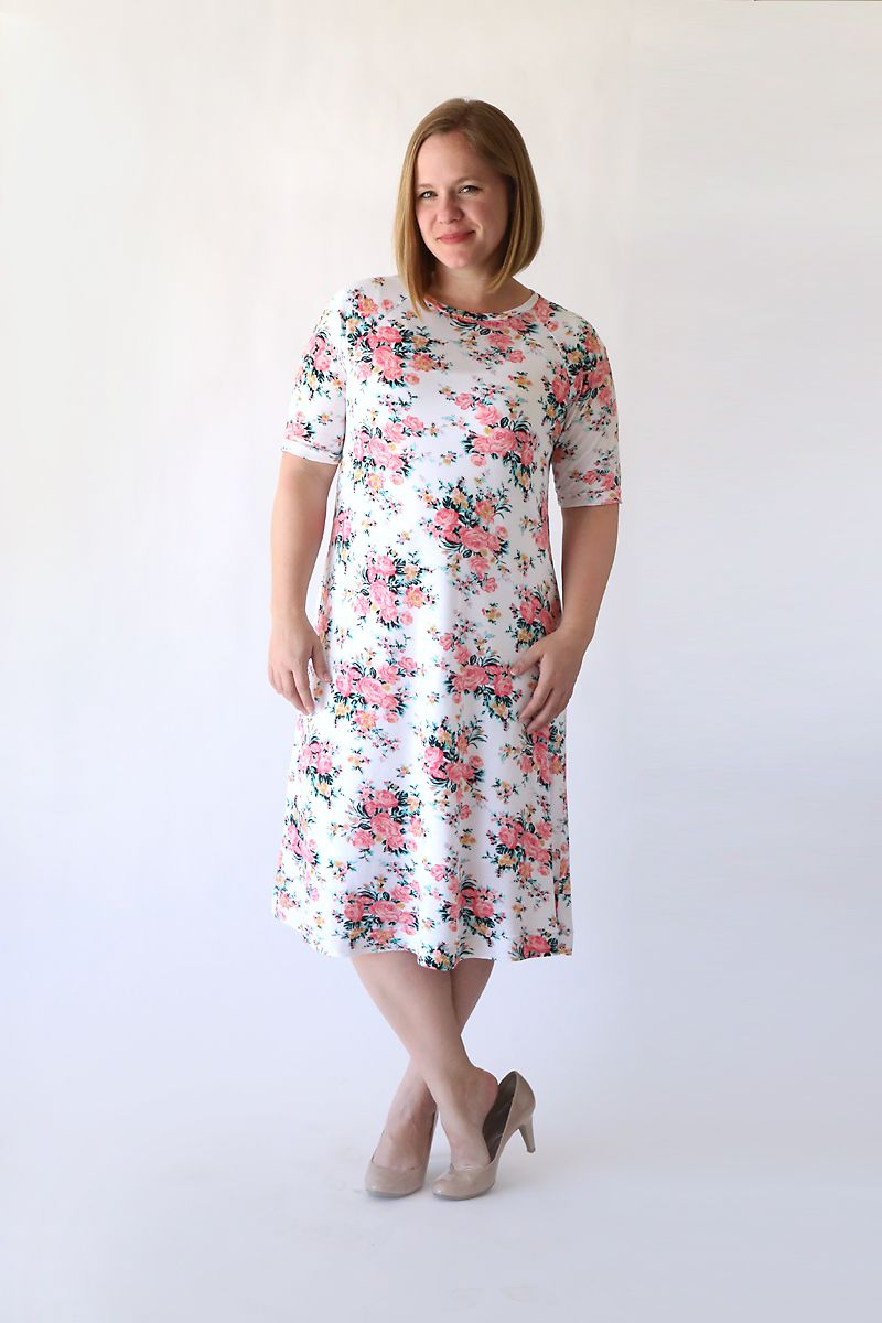 f54015a5f070 Learn how to make this easy to sew swing dress (perfect for summer!) using  a free tee shirt pattern.