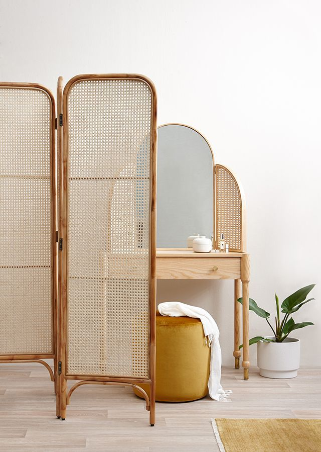 Clem Around The Corner - Deco, Design and DIY Blog -  Office divider screen in caning clemaroundthecorn … #canning # 60s #decosixties #decoration   - #ApparelDesign #around #Blog #Clem #corner #deco #design #DIY #FurnitureDesign #LogosDesign