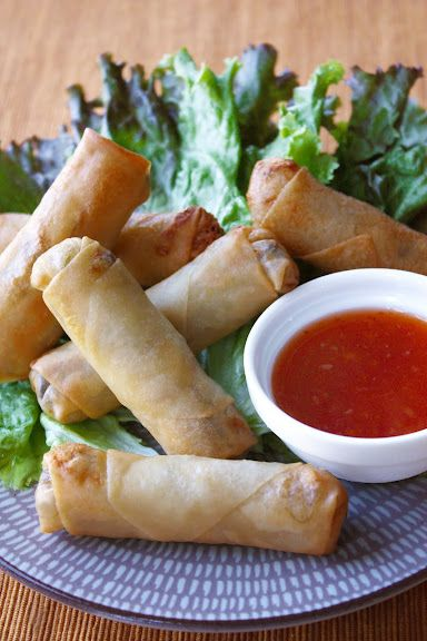 Thai fried spring rolls tofu wood ear mushroom glass noodle and savoury snacks and starters thai spring rolls thai food dishes forumfinder Image collections
