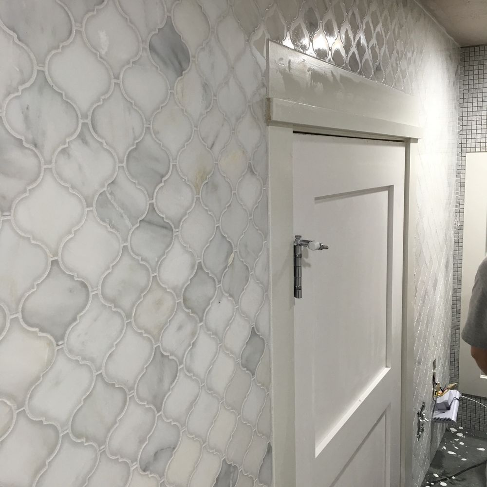 Carrara white marble arabesque lantern tile shower bathroom carrara white marble arabesque lantern tile shower bathroom kitchen backsplash dailygadgetfo Images