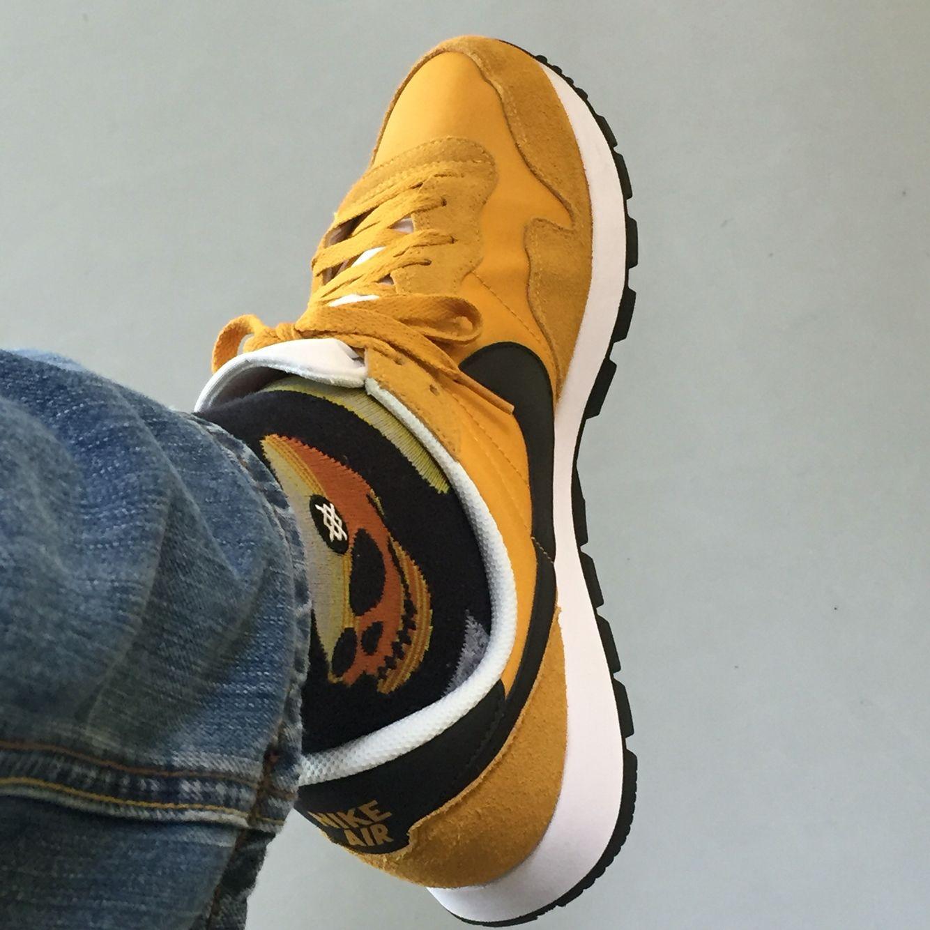 New sneakers old socks. Nike Pegasus '83 & Stance socks