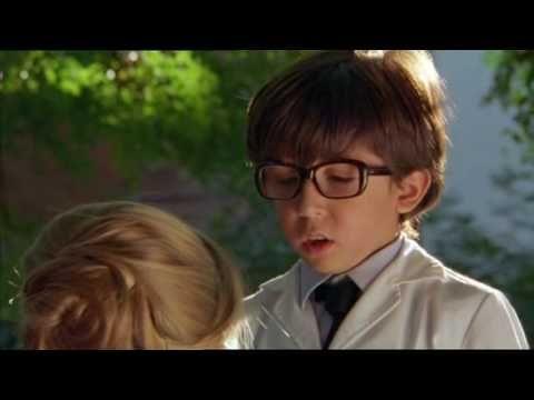 Longer Clip From The Argentinian Movie: Valentin 2002 Uniforme Escolar  Guardapolvo