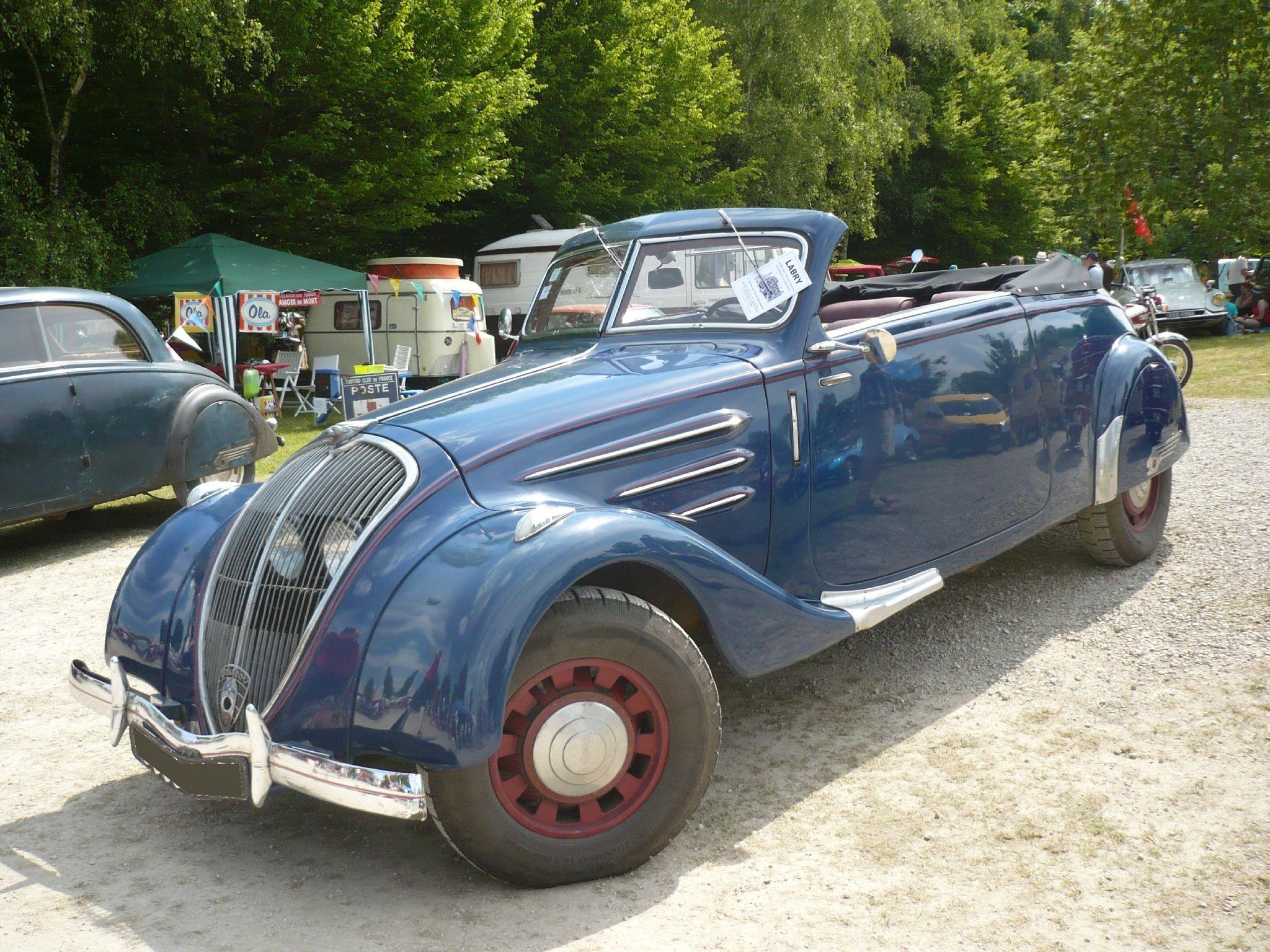 peugeot 402 cabriolet voitures anciennes pinterest voitures voitures anciennes et ancien. Black Bedroom Furniture Sets. Home Design Ideas