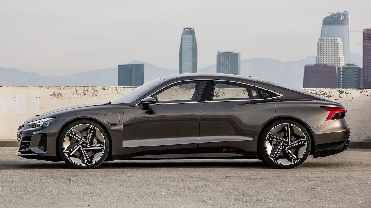 Audi E Tron Concept Debuts At L A Auto Show Heading To Production Audi E Tron E Tron Audi