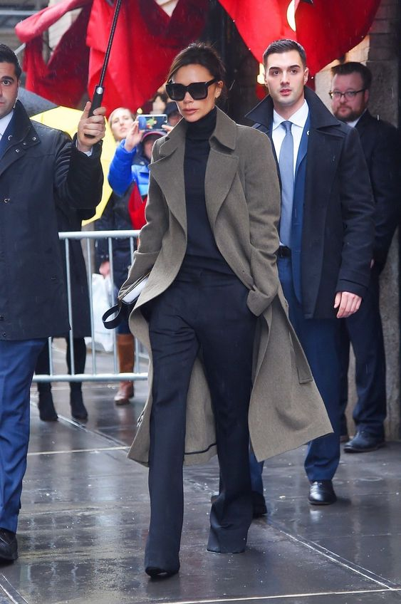 Photo of 45 Looks com Calça da Victoria Beckham – Gabi May