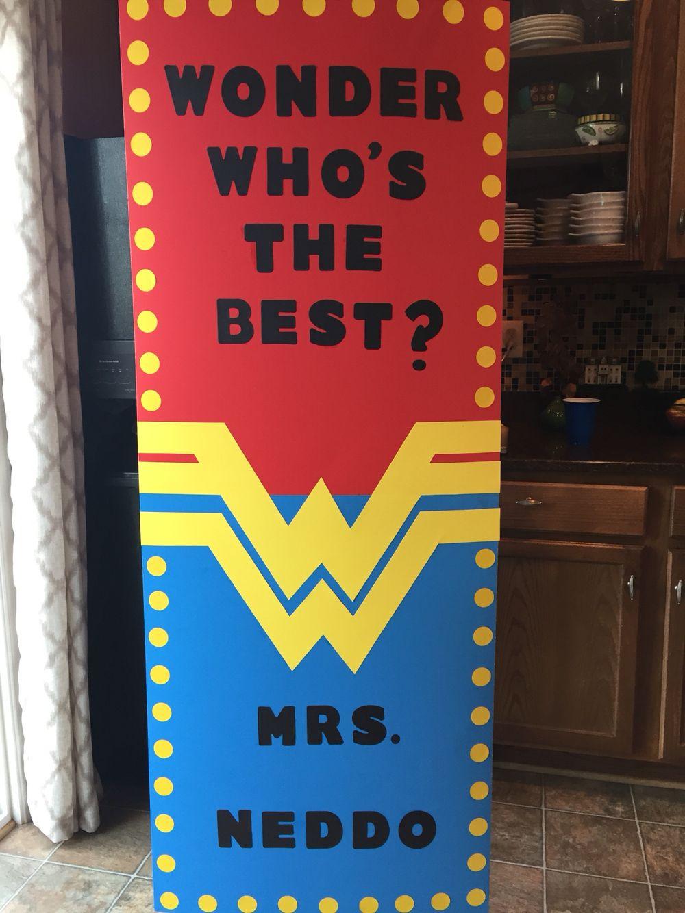 Teacher appreciation door decoration wonder woman super for Puerta wonder woman