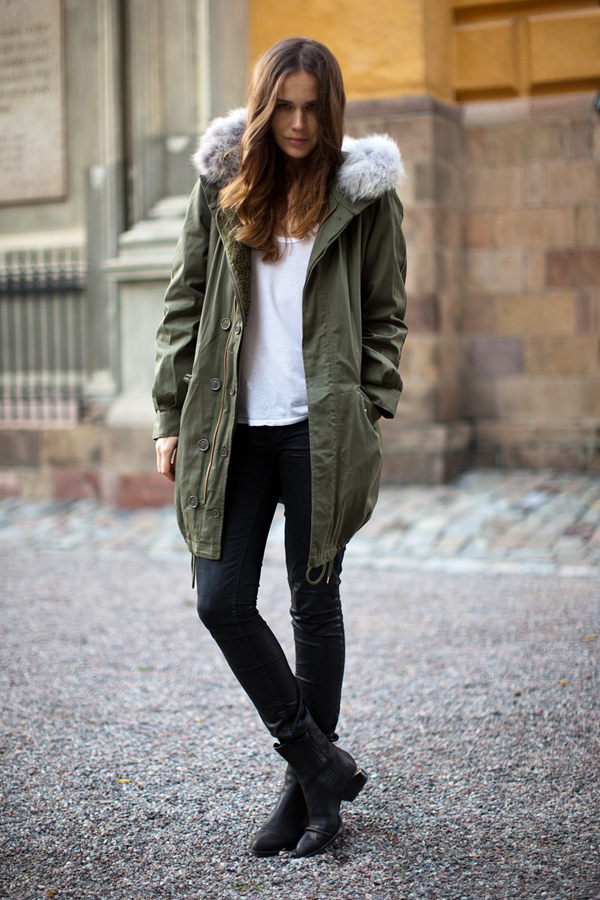 Stylish Women Parkas Winter Coats in Black and Army Green