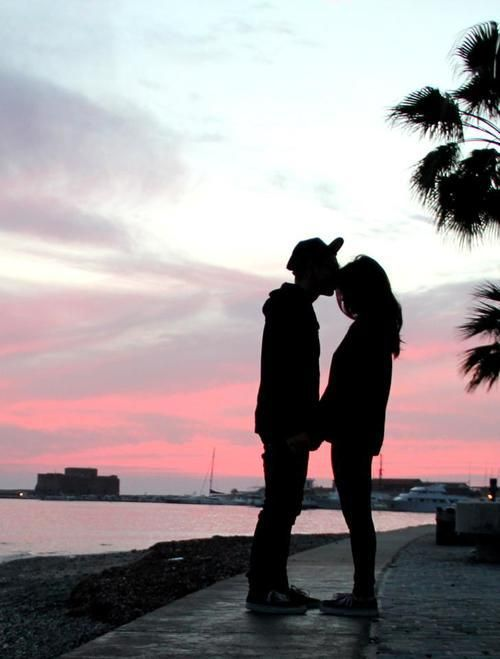 Sweet Forehead Kiss At Sunset Photo Couples Couple Silhouette
