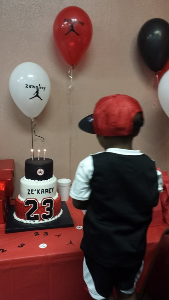 Jumpman Birthday Party Party Ideas Amp Themes 10th