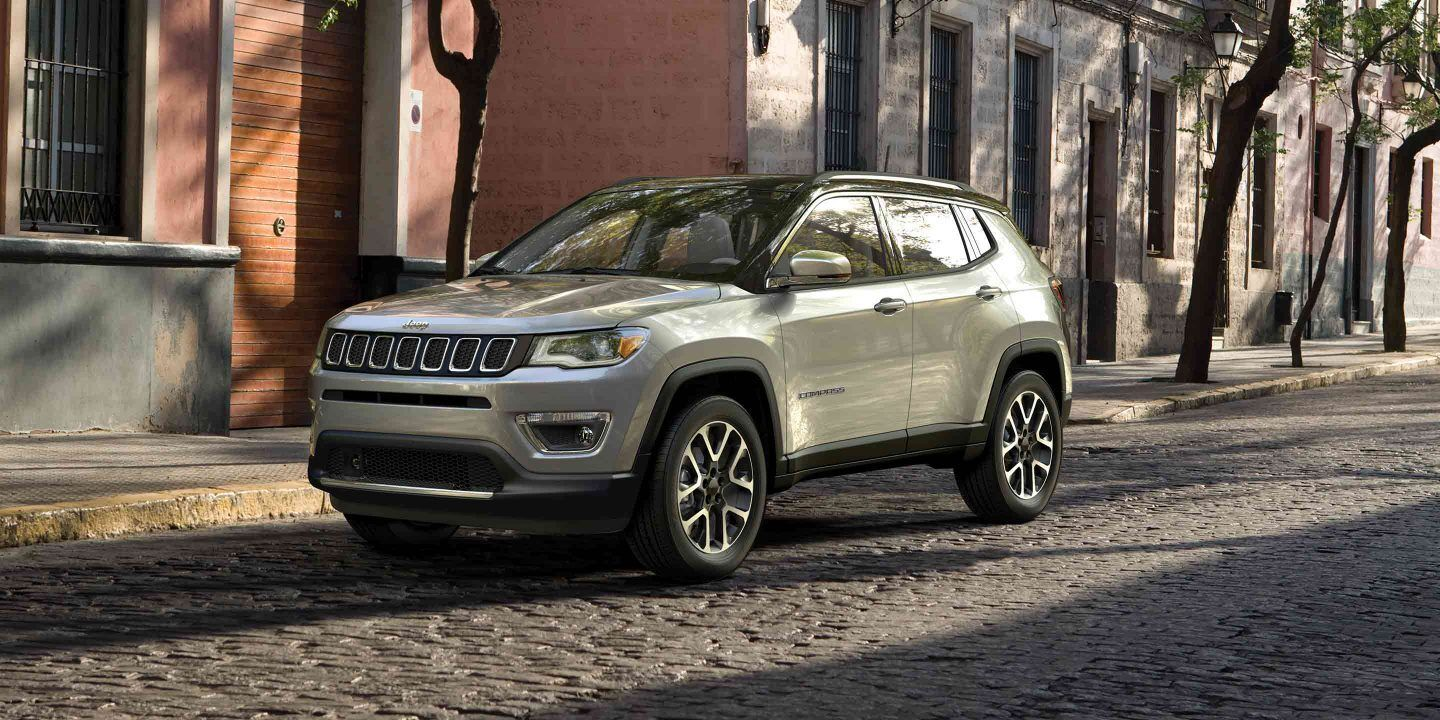 2019 Jeep Compass Photo And Video Gallery In 2020 Jeep Jeep Compass Jeep Compass Sport