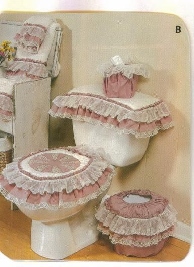 Toilet Seat Cover With Dresden Plate In Center With Solid