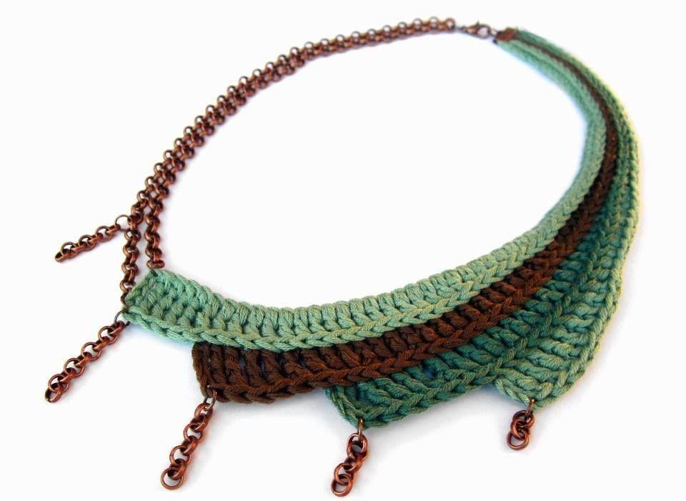 Collar tejido a crochet con cadenas | collares | Pinterest | Crochet ...