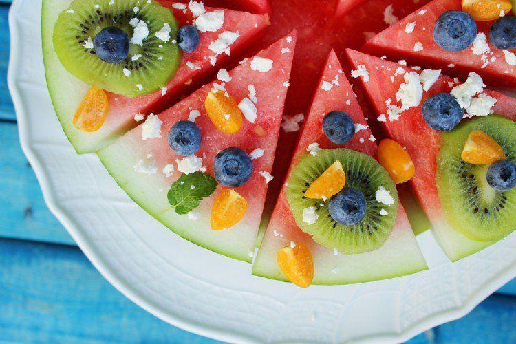 salade de fruits originale 20 id es pour anniversaire d enfant fruit et pizza. Black Bedroom Furniture Sets. Home Design Ideas
