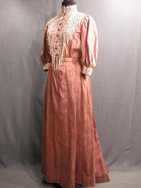 blouse and skirt 1900