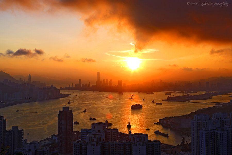 Hong Kong by Even Liu