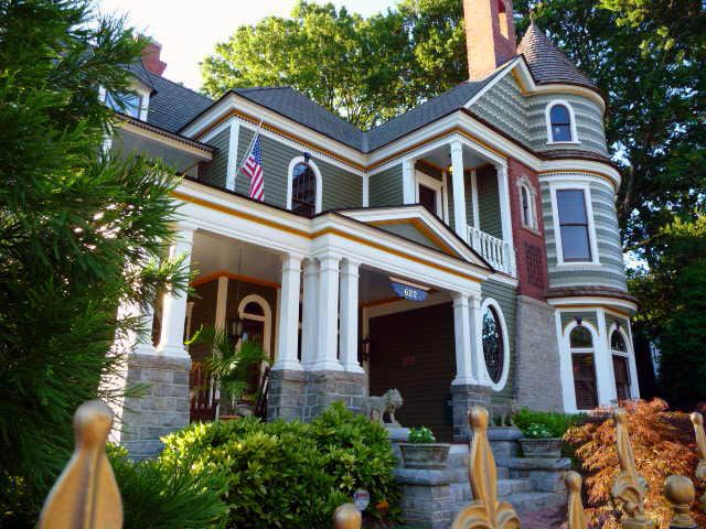 Stupendous How To Protect Your Home While On Vacation Trulia Blog Download Free Architecture Designs Grimeyleaguecom