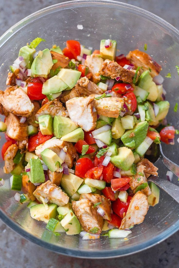 Healthy Avocado Chicken Salad #cleaneating