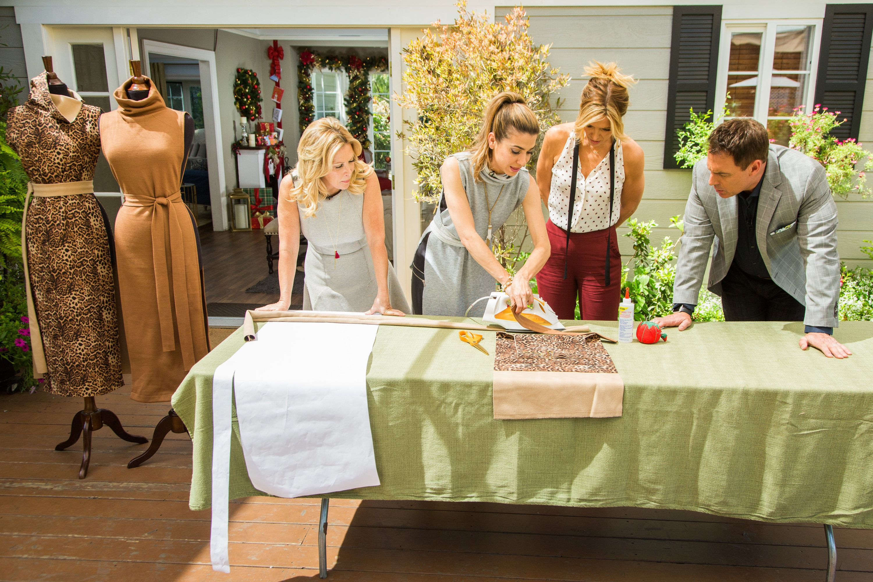Hollywood steals home and family - Orly Shani Has An Inexpensive And Creative Diy That Only Requires 1 5 Yards Of Fabric Family Videohome