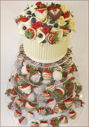 alternative ideas for wedding cakes dipped strawberry wedding tower alternative to a wedding 10690