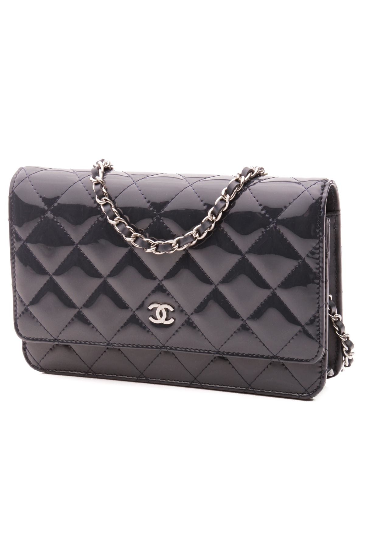 247e71e44b97 Timeless classic Chanel Brand, Coco Chanel, Define Fashion, Shopping Chanel,  Timeless Classic