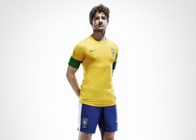Now this is a proper kit, not the garbage the US always wears.