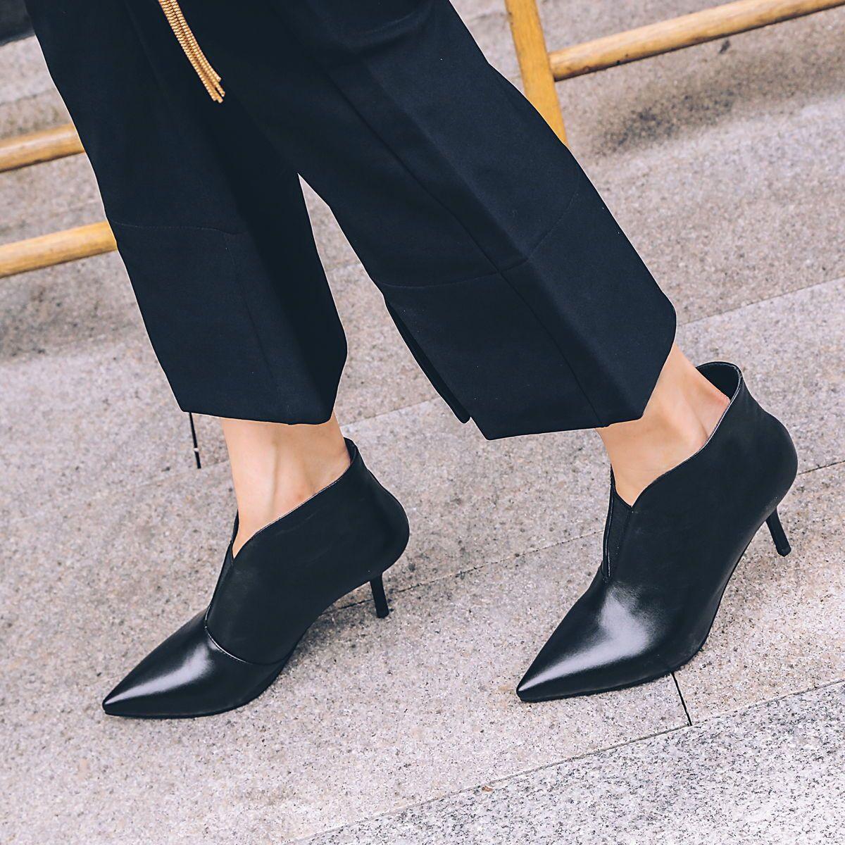 Pin On Black Shoes Scarpe Nere
