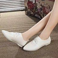 옥스퍼드+-+캐쥬얼+-+여성의+신발+-+뾰족한+앞코+-+레더렛+-+플랫+-+블랙+/+화이...+–+USD+$+17.99
