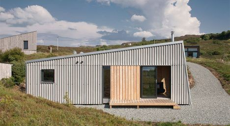 Self-build studio by Rural Design Architects nestles into rugged Isle of Skye…