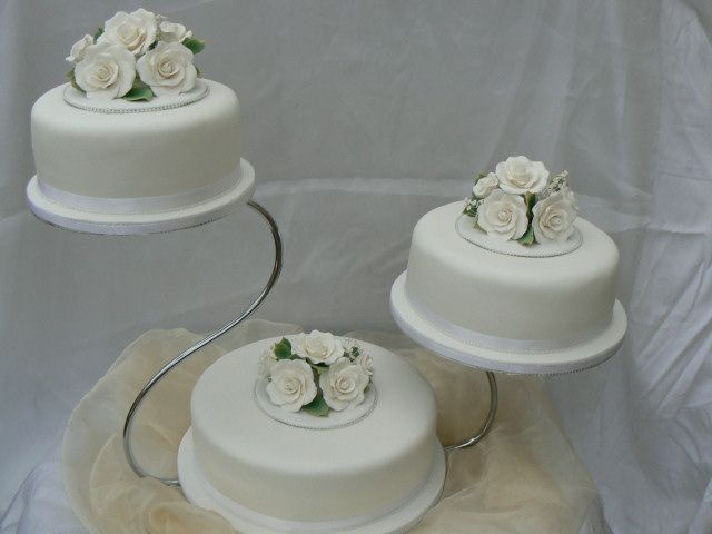 Unique Cake Stands For Weddings