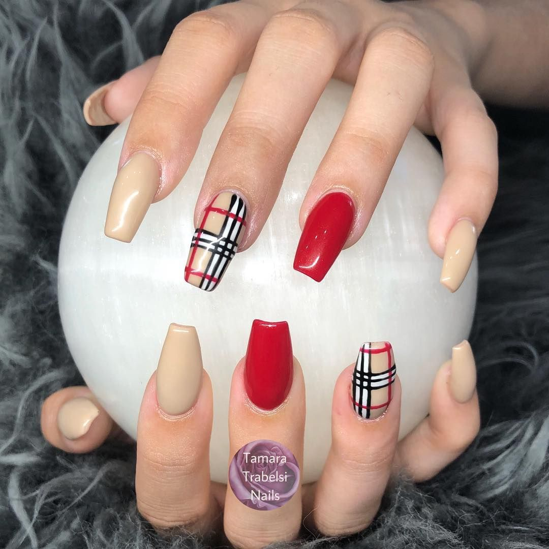 Hand-painted #Burberry nails - The #beauty has new #standards. Lovely design.  @thenailshopaustralia @envoguenailsofficial  ( #