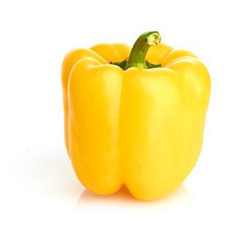 #Paprika gelb - Unsere Paprika – Wo kommt sie her? Wir beziehen unsere #Paprika vom Kölner Bio-Bauern, der auf 1,2 Ha das ganze Jahr über verschiedene #Gemüsesorten anbaut. Er bietet ein vielfältiges sowie qualitativ hochwertiges Angebot.