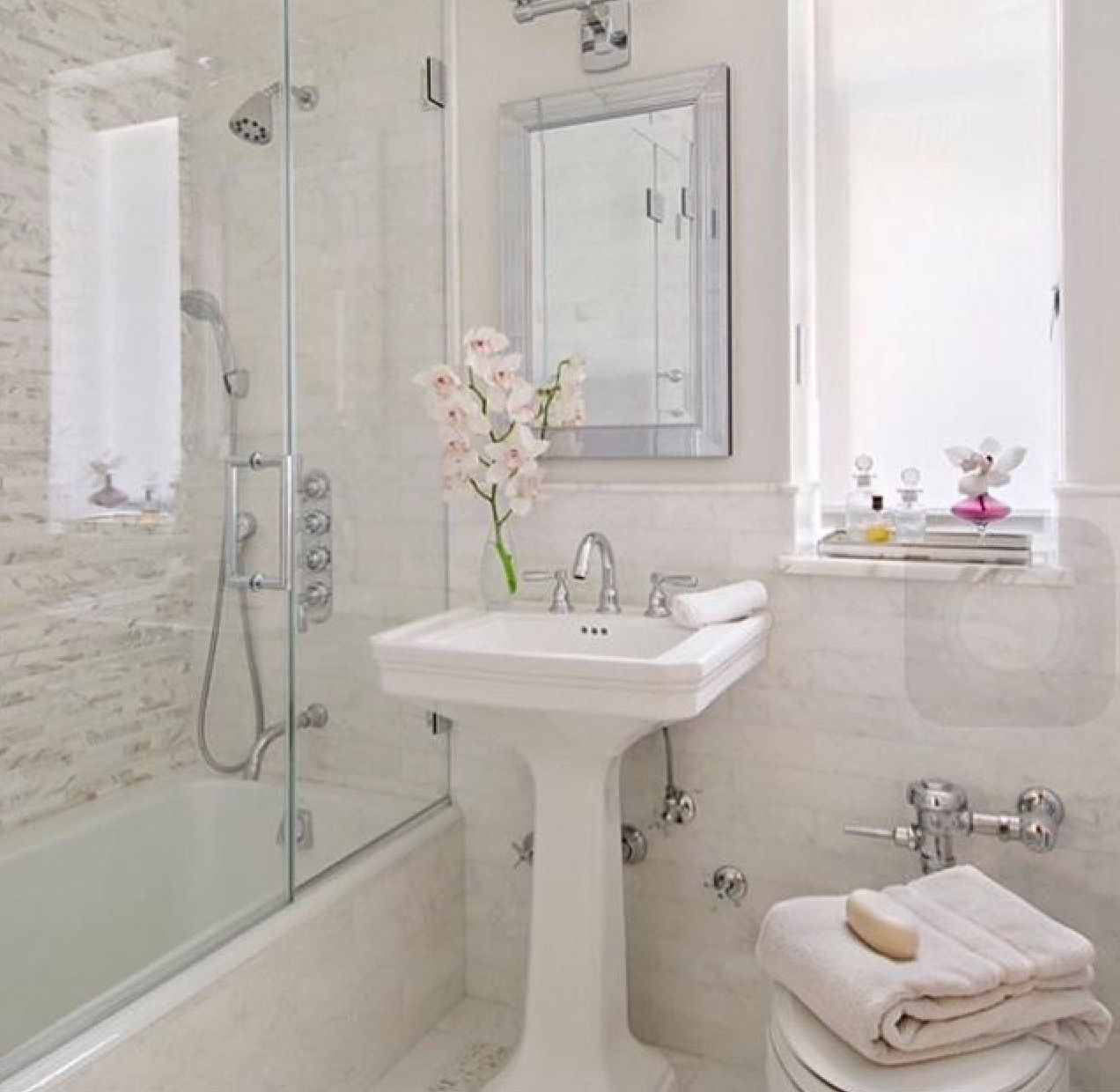 Pin by Lauren Ikin on Attic | Pinterest | Small bathroom, Bathroom ...