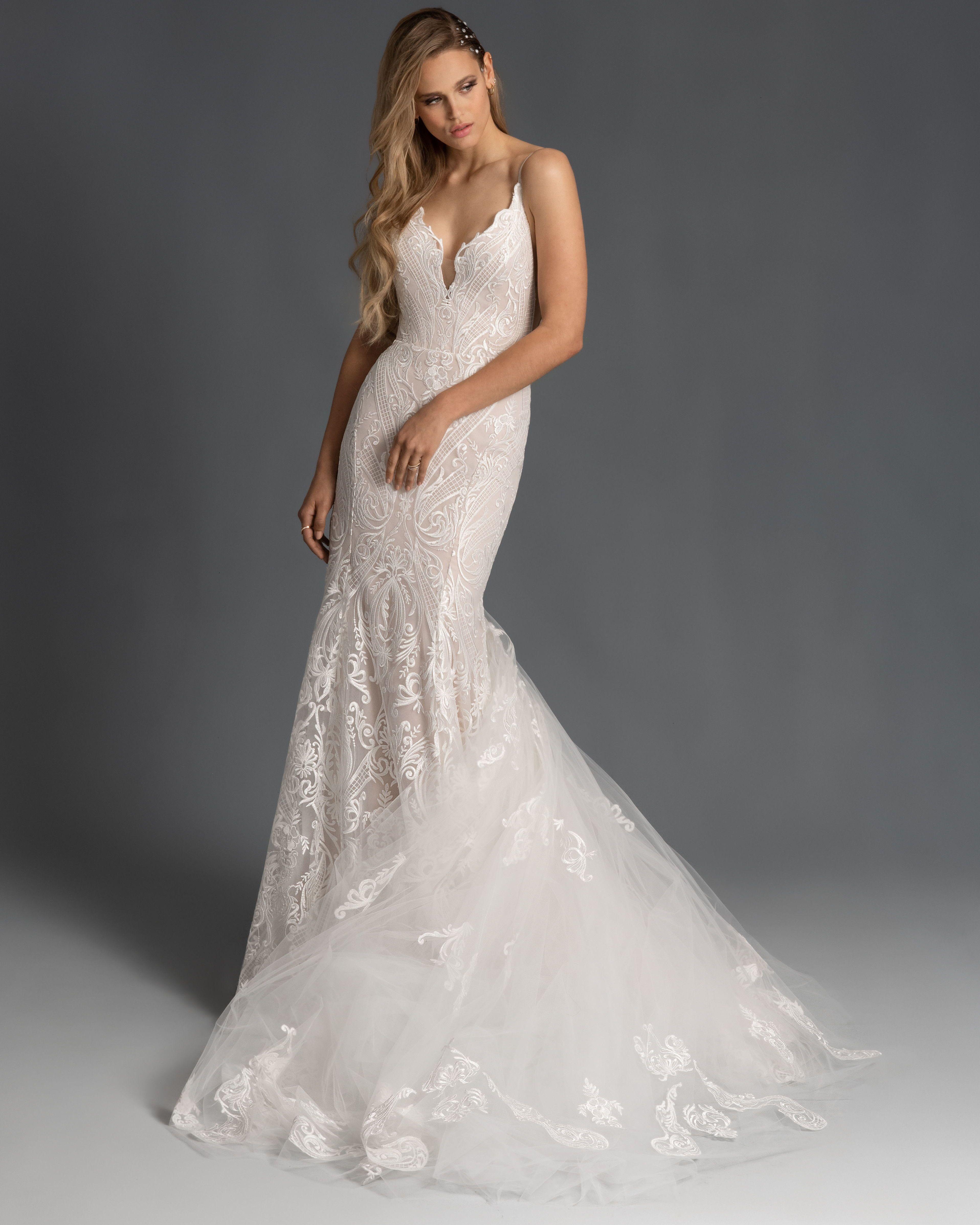 Hayley Paige Spring 2020 Zazu Embroidered Trumpet Wedding Dress With Scalloped Sweetheart Ne Sheath Wedding Dress Lace Wedding Dresses Wedding Dresses Blush