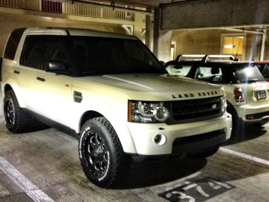 2010 Lr4 With A Lift Kit The Landy Life Land Rover
