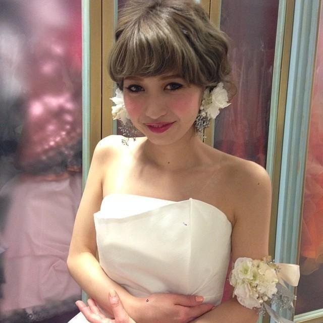 前髪ありでもすっきり可愛い花嫁向けブライダル髪型まとめ|